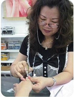 高雄Amy Nails美甲世界,高雄美甲,三多商圈,手足保養,彩繪指甲,水晶指甲,光療指甲,高雄