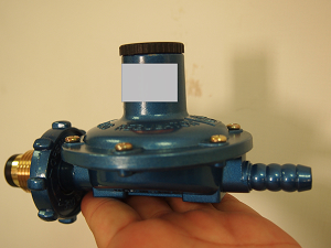 瓦斯防震器