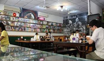 高雄,巧廚燒鴨,港式烤鴨,懷舊餐廳,黑膠唱片餐廳