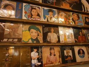 高雄,巧廚燒鴨,港式烤鴨,懷舊餐廳,黑膠唱片餐廳,烤鴨