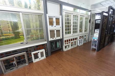 高雄門窗,密碼鎖,防侵入玻璃門窗,舊屋翻修,自地自建,民宿旅店旅館,門市店面